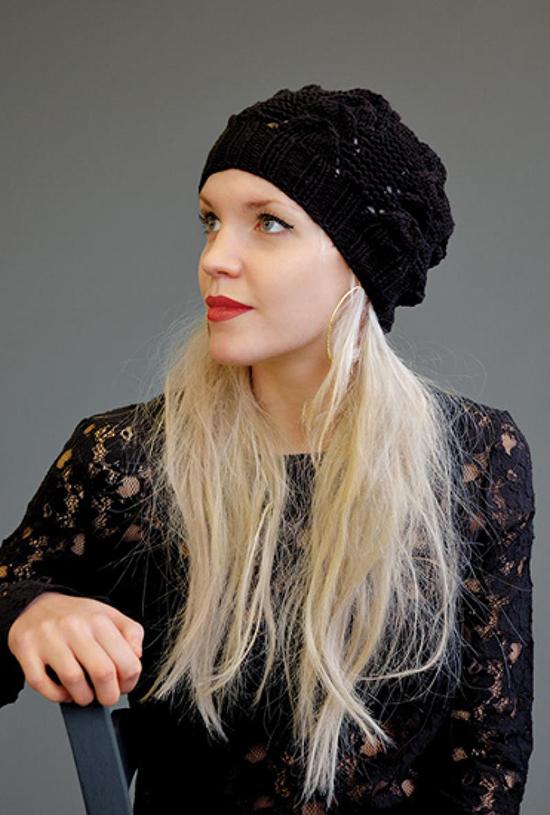 шапка-черная-kim-hargrivz-2011